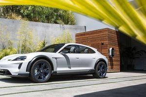 Chiêm ngưỡng Porsche Taycan CUV 2018
