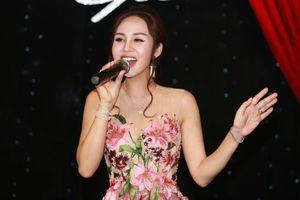Sao Mai Khánh Ly cất lên khúc hát thanh xuân cùng học trò