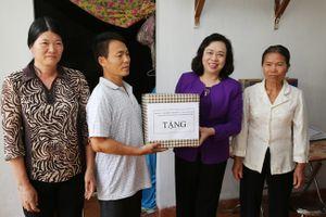 Phó Bí thư Thường trực Thành ủy Ngô Thị Thanh Hằng dự lễ khánh thành nhà ở của hộ nghèo tại huyện Phú Xuyên