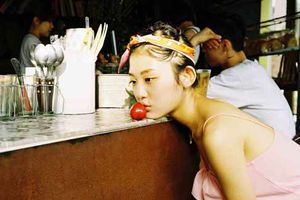Vì sao người trẻ Hàn Quốc 'ăn một mình, ngủ một mình', bất chấp thị phi?