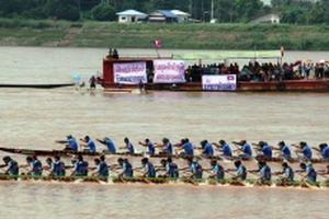 Độc đáo lễ hội đua thuyền truyền thống Lào