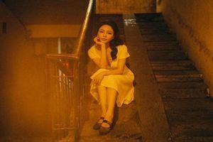 Ăn mặc hở hang, hot girl Trâm Anh nhận tin nhắn 'ngã giá đi khách'