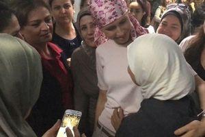 Đệ nhất phu nhân Syria được đón chào nồng nhiệt khi đến bệnh viện