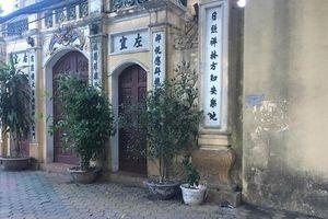Hà Nội: Người đàn ông gục chết trước cổng chùa