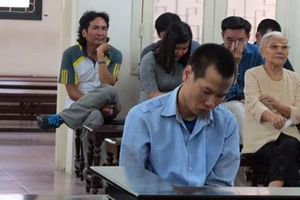 Hà Nội: Đang ngồi trong nhà, bị hàng xóm xông vào đoạt mạng