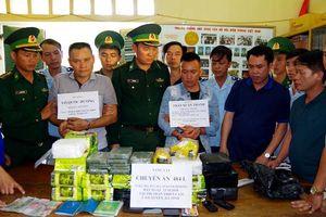 Vận chuyển 32 kg ma túy đá và 10 bánh heroin từ Lào về Việt Nam tiêu thụ