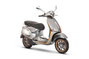 Vespa trình làng xe máy điện 'giá trên trời' 171 triệu đồng