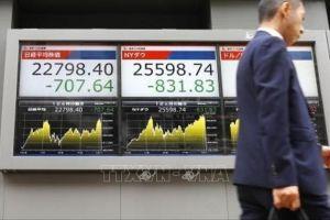 Nước lãnh đủ trong chiến tranh mậu dịch Mỹ - Trung, Wall Street bán tháo cổ phiếu