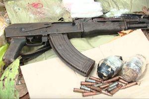 Cảnh sát nổ súng trấn áp nhóm buôn ma túy dùng súng AK