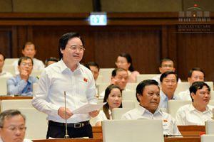 Bộ trưởng Phùng Xuân Nhạ giải trình trước Quốc hội các vấn đề liên quan đến gian lận thi cử và sách giáo khoa