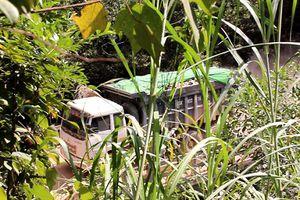 Thừa Thiên Huế: Xe tải 'khủng' đua nhau 'cưỡng bức' cầu trọng tải nhỏ