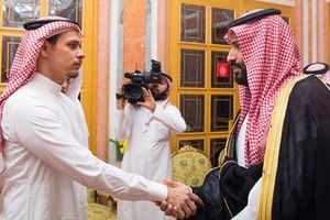Con trai của nhà báo bị sát hại Jamal Khashoggi rời Saudi Arabia về Mỹ