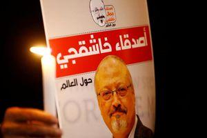 Một ngày sau khi gặp Quốc vương Salman, con trai nhà báo đối lập rời khỏi Ả Rập Xê Út
