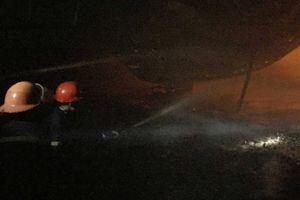 Nghệ An: Cháy xưởng sản xuất đệm mút, thiệt hại hàng trăm triệu đồng