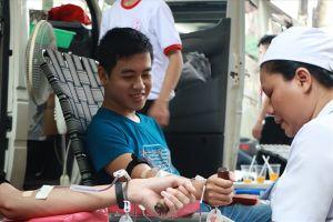 Hơn 1.000 sinh viên tham gia hiến máu tình nguyện