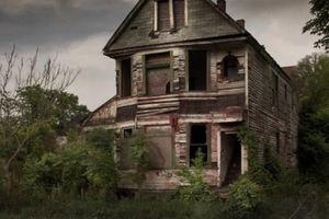 Đột nhập những ngôi nhà ma ám đáng sợ nhất không ai dám ở