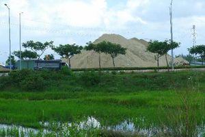 Sớm buộc các chủ bãi di dời cát ra khỏi địa bàn Ngũ Hành Sơn