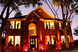 'Độc' những màn trang trí Halloween dọa hàng xóm 'run bắn' vì sợ