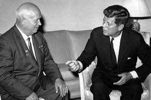 Ngày này năm xưa: 'Bóng ma' chiến tranh hạt nhân tan biến