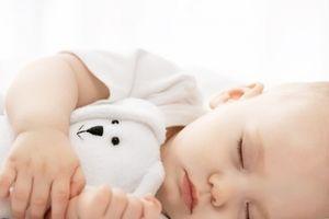Hàng loạt tác hại không ngờ khi mẹ bật đèn ngủ cho trẻ nhỏ