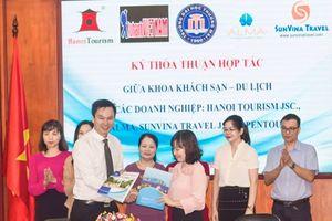 Khoa Khách sạn-Du lịch Đại học Thương mại hợp tác với 5 công ty