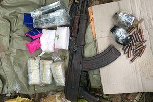Nổ súng tiêu diệt đối tượng trong nhóm buôn ma túy nã đạn vào cảnh sát