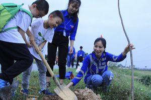 Hướng đến mục tiêu mỗi năm trồng ít nhất 10.000 cây xanh