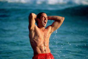 Bạn sẽ thích tắm biển hơn nếu biết được nhiều lợi ích này