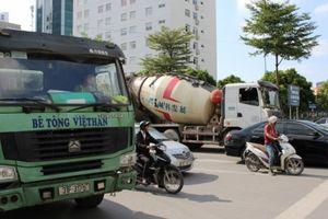 Xe bê tông Việt Hàn hết hạn đăng kiểm nhưng vẫn 'tung hoành ngang dọc' bất chấp pháp luật