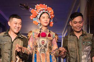 Á hậu Thúy Vân tỏa sáng trên sàn diễn thời trang