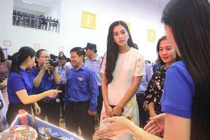 Hoa hậu Trần Tiểu Vy chia sẻ trong Ngày hội 'Thanh niên Bình Định khởi nghiệp'