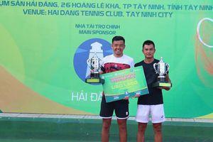 Lý Hoàng Nam giành lại uy danh với cúp vô địch đôi Vietnam F4