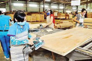 Đồ gỗ 'miễn nhiễm' cuộc chiến thương mại Mỹ-Trung, xuất siêu gần 6 tỷ USD