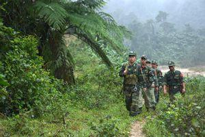 Thắm tình quân dân biên giới Việt - Lào