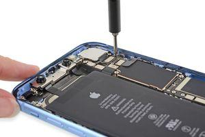 Khám phá các thành phần bên trong iPhone Xr