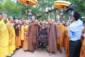 Thiền sư Thích Nhất Hạnh về chùa Từ Hiếu, dự kiến ở Việt Nam tĩnh dưỡng lâu dài