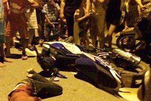 Bị cướp túi xách ở Sài Gòn, cô gái trẻ ngã xuống đường tử vong