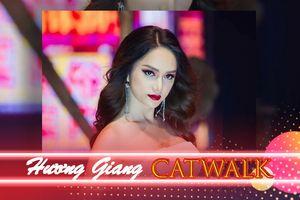 Hoa Hậu Hương Giang và những màn catwalk vững vàng 'quét sập' sàn diễn thời trang