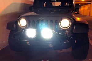 Ôtô lắp thêm đèn chiếu sáng sai quy định: Xử lý nghiêm