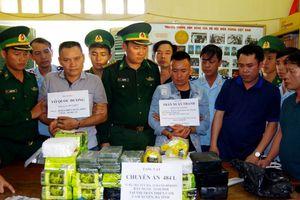 Tịch thu 33kg ma túy đá, 23 bánh heroin và gần 19.000 viên MTTH