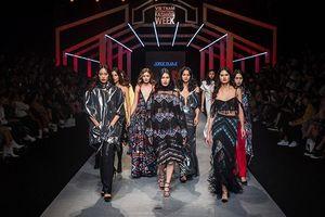 Hình ảnh các bộ lạc trong văn hóa Mỹ Latinh đến với giới mộ điệu thời trang