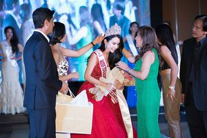 Chân dài Việt sở hữu 'vòng ba 100' đăng quang 'Hoa hậu Du lịch Thế giới 2018'
