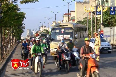 Xử lý xe khách chạy 'rùa bò' trên đường Giải Phóng - Kim Đồng