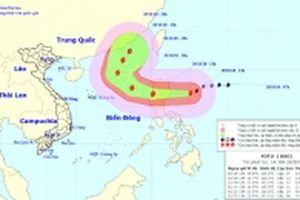 Bão Yutu di chuyển nhanh hướng vào Biển Đông