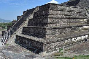 'Địa ngục' đầy hài cốt dị hình dưới kim tự tháp mặt trăng