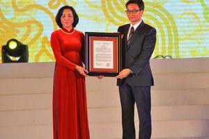 Trao quyết định công nhận bảo vật quốc gia cho đôi Long sàng tại đền Vua Đinh