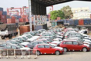 Cận cảnh dàn xe BMW nhập lậu nằm mốc meo ở cảng Sài Gòn