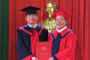 Trường ĐH Vinh trao bằng thạc sĩ và tiến sĩ năm 2018