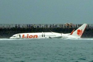 Indonesia: Máy bay chở 188 hành khách lao xuống biển sau khi cất cánh