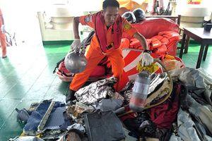 Máy bay Lion Air rơi xuống biển: Tìm thấy thùng xăng đã phát nổ, có lỗ thủng